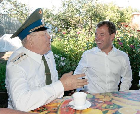 есаул Борис Григорьевич Чернов пообщался с Президентом России Дмитрием Анатольевичем Медведевым