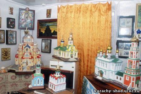 макеты: Казанского кафедрального собора, казачьей Георгиевской церкви, а также первых в городе Петропавловской и Введенской церквей, бывших когда-то украшением Оренбурга. Сейчас большинство из этих произведений находятся в музее Свято-Троицкой Симеоновой Обители Милосердия в Саракташе