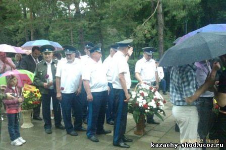 приняли участие в торжественных возложениях венков к мемориалам погибших в Великой Отечественной Войне