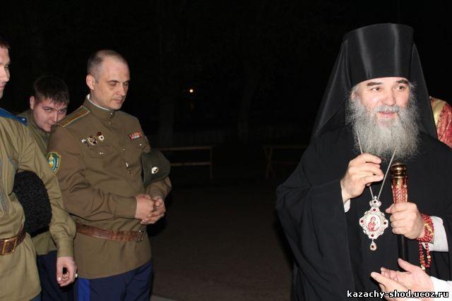 Епископ Бузулукский и Сорочинский Алексий служил в Никольском соборе и совершил полунощницу, крестный ход, Пасхальную заутреню и Божественную литургию свтятого Иоанна Златоуста