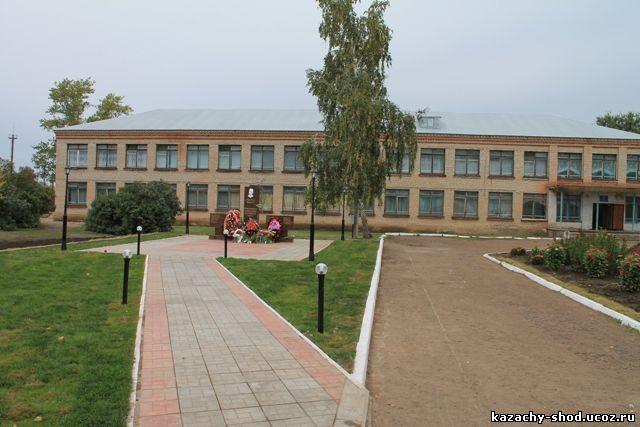 В посёлке Красногвардеец Бузулукского района состоялось торжественное открытие мемориального комплекса в честь Героя России Антона Марченко